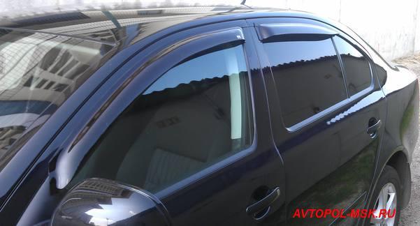 установленные ветровики на боковые окна шкоды фото