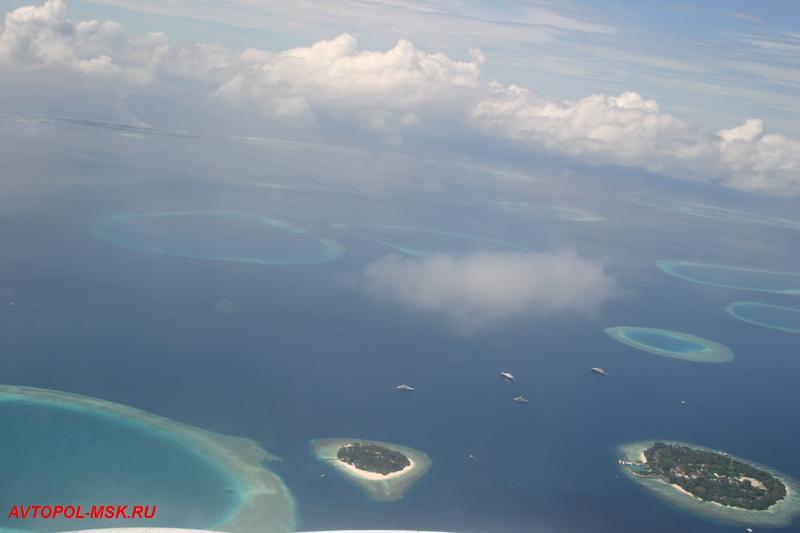 вид Мальдивских островов с высоты птичьего полета